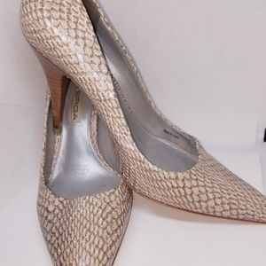 Via Spiga Snake print  shoes size 5.5